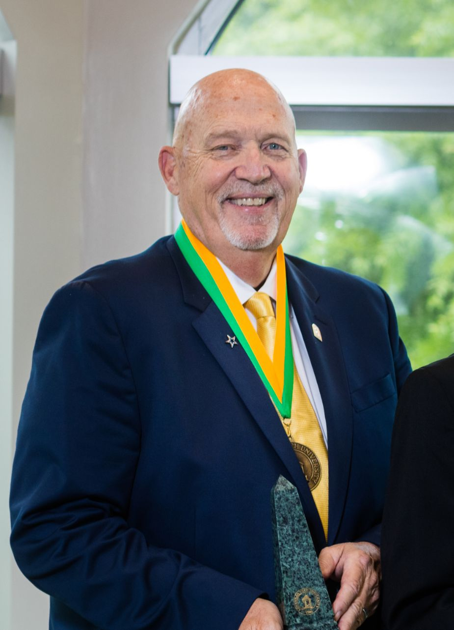 Arkansas Tech University Distinguished Alumnus Or Alumna